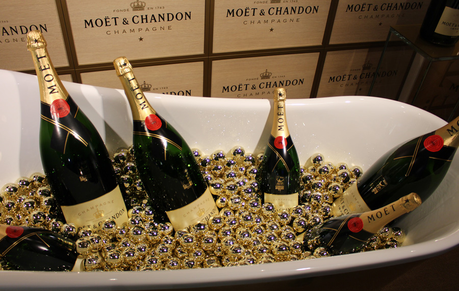 A golden bath with Moët & Chandon - copyright Veronique Gray