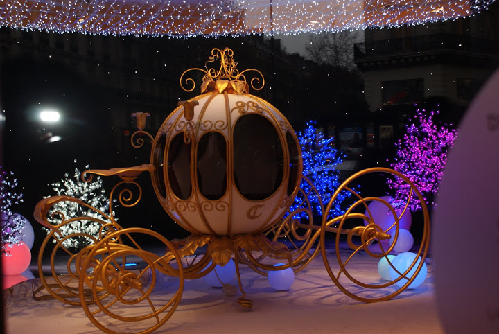 A coach inside of the Galeries Lafayette