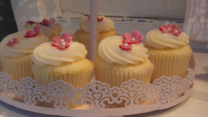 A cupcake affair shop window in Bern