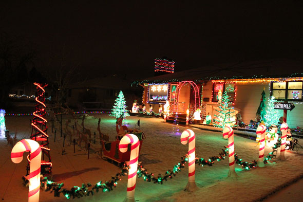A private home decorated with Christmas lights, Great Falls MT