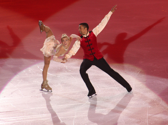 Aljona Savhenko and RobinSzolkowy at Art on Ice 2014 - copyright Veronique Gray