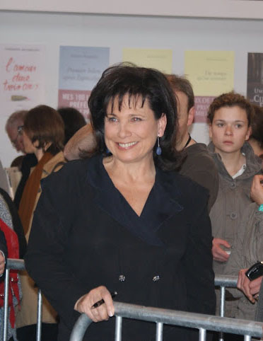 Anne Sinclair happy and smiling in Paris - Michèle Laville copyright