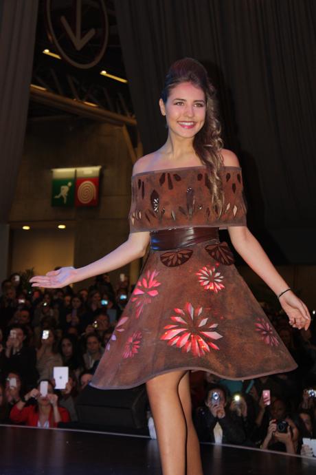 Beautiful model at the salon du chocolat fashion show - crédit Véronique Gray