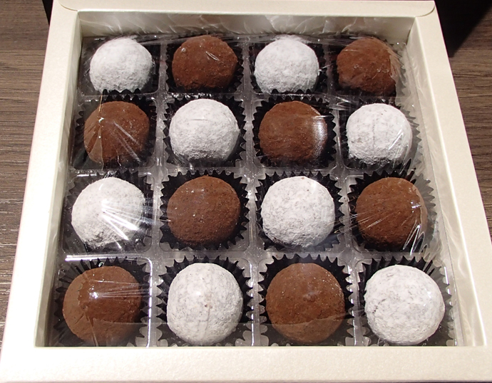 Champagne Truffes from Suteria - copyright Véronique Gray