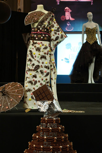Chocolate dresses and cake for the 20th anniversary of the Salon du Chocolat - copyright Veronique Gray