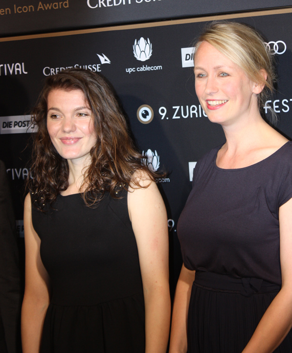 Director Anna Thommen with Nazlije Aliji from documentary film Neuland copyright Veronique Gray