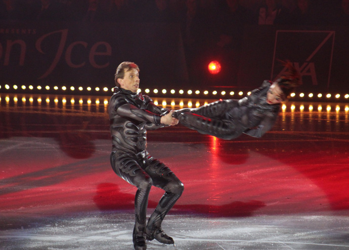 Dmitri Sukahanov and Fiona Zaldna  Art on Ice 2015 - Zurich - credit photo Veronique Gray