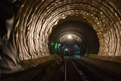 Work in Gotthard tunnel-Erstfeld-copyrights-Alps-Transit-Gotthard-AG