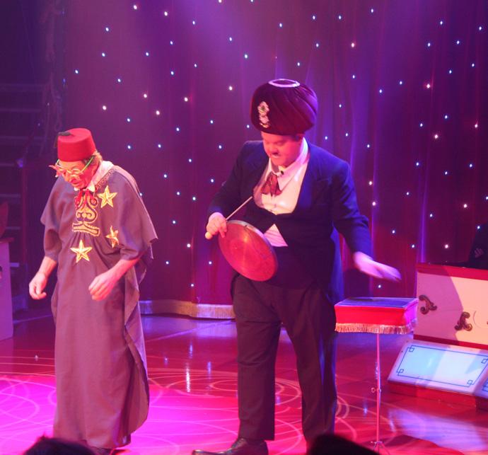 Gaston & Roli at Circus Conelli - copyright Véronique Gray