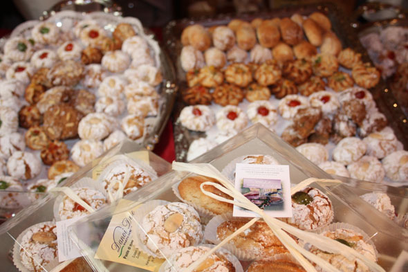Gourmesse stand of Italian almond sweets Danoi Due, Wettingen