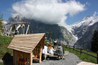 Swiss playgrounds: when nice scenery makes a difference