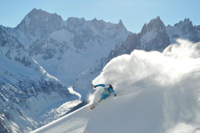 Freeride in Chamonix - copyright Christophe Henry OT Chamonix