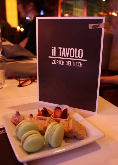 IL TAVOLO, coffee time during the star night at the Zurich Park Hyatt - copyright Veronique Gray