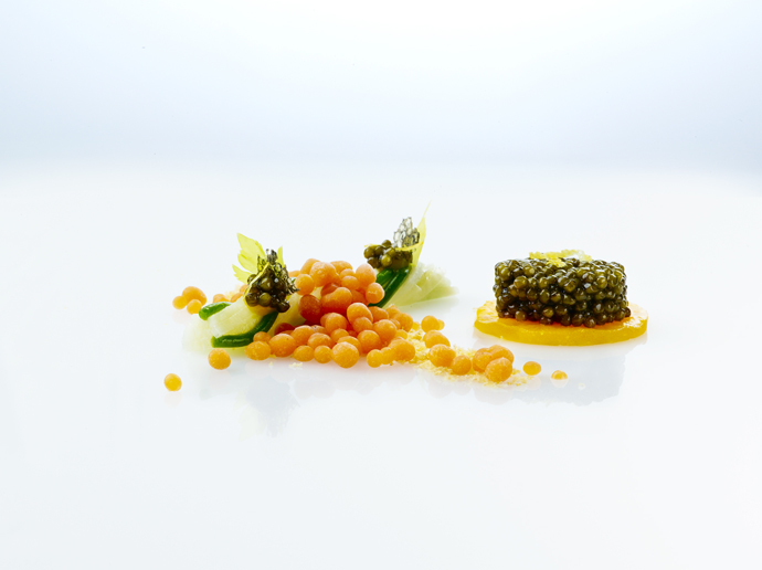 Imperial caviar celery egg yolk smoked fish creme Bloody Mary, dish from Heiko Neider - photo Fabian Häfeli