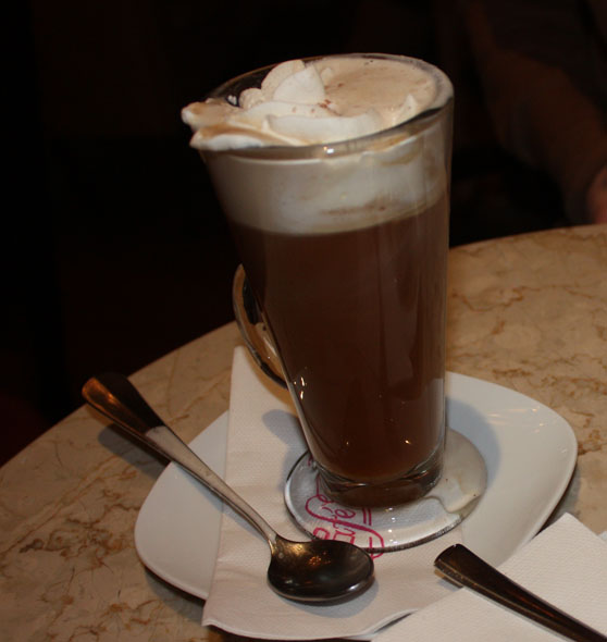 Irish coffee at Café Félix