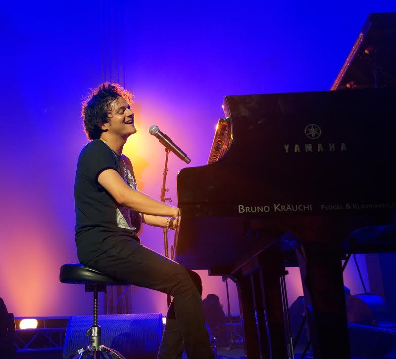 Jamie Cullum at the piano- courtesy photo Briggid Schluneger