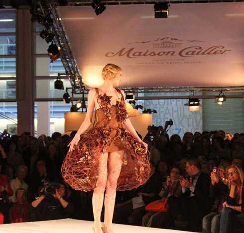 Jeanson's model wearing a chocolate dress at the Zurich Salon du Chocolat