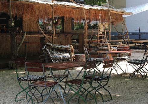 Hakuna Matata African Bar, Lindau island