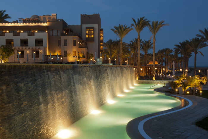 Makadi Spa pool and promenade - copyright ETI