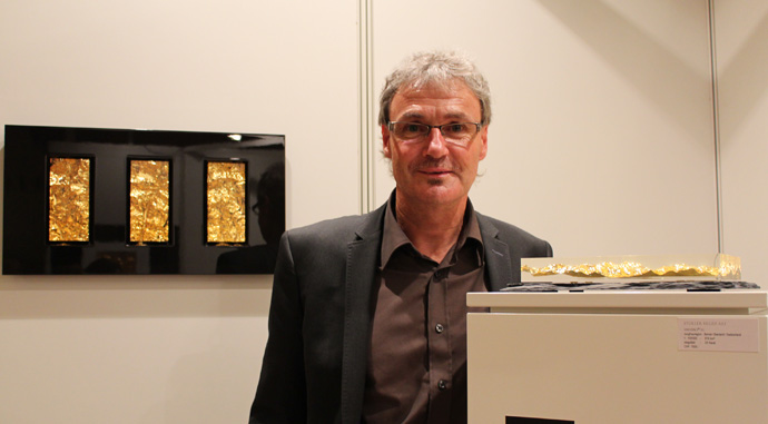 Markus Stoller with his three dimensional piece of art - copyright Veronique Gray
