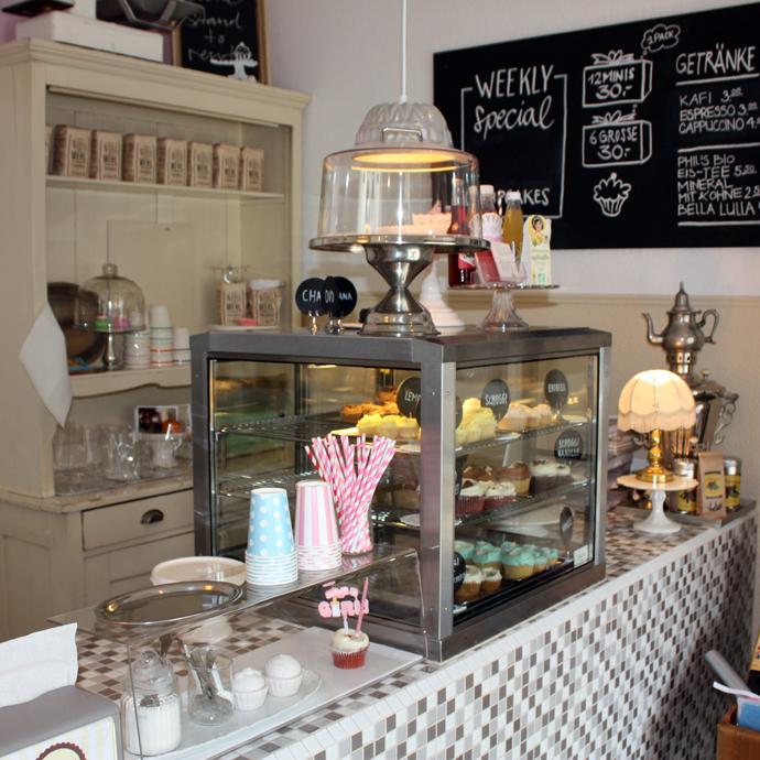 Michelles Cupcakes inside shop in Zurich