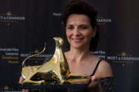Locarno Film Festival: Juliette Binoche receives the Excellence Award Moët & Chandon