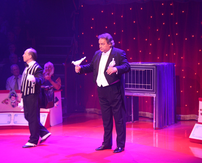 Roy Gardener and James at Circus Conelli in 2013 - copyright Véronique Gray