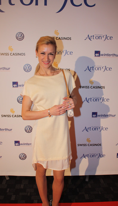 Tatiana Volosozhar at the after-show party of Art on Ice - copyright Véronique Gray