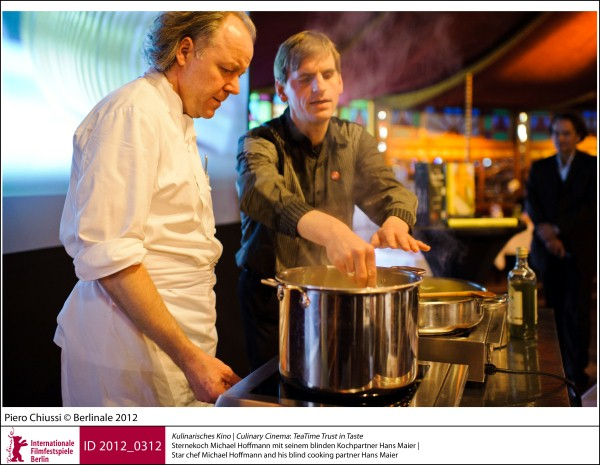 TeaTime Trust in Taste - Star chef Michael Hoffmann and his blind cooking partner Hans Maier - copyright Berlinale