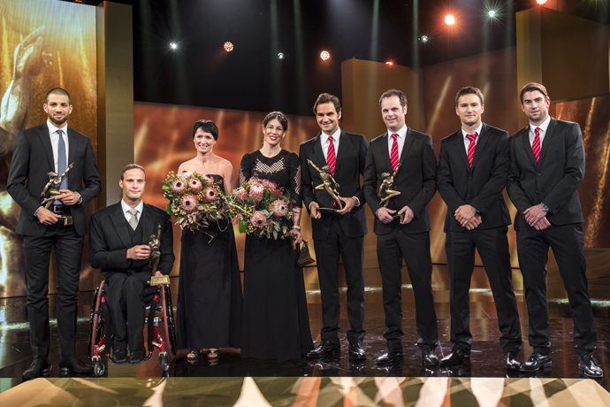 The winners of the Credit Suisse Sports Awards: Kariem Hussein, Marcel Hug, Guri Hetland, Dominique Gisin, Roger Federer, Severin Luethi, Marco Chiudinelli and Michael Lammer, left to right - PHOTOPRESS Alexandra Wey