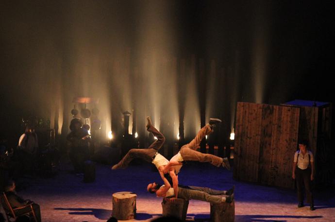 Timber show - cirque Alfonse  copyright Timber show