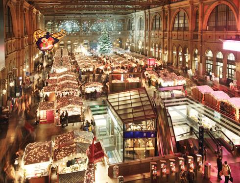 the christmas markets are back glhwein christstollen lebkuchen