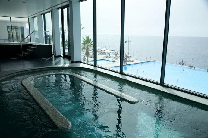 Vidamar swimming pool in Madeira - copyright Vidamar Resorts Madeira