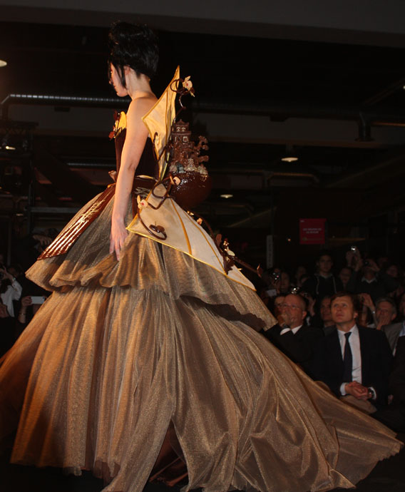 Zurich salon du chocolat 39 s fashion show from backstage to for Haute zurich