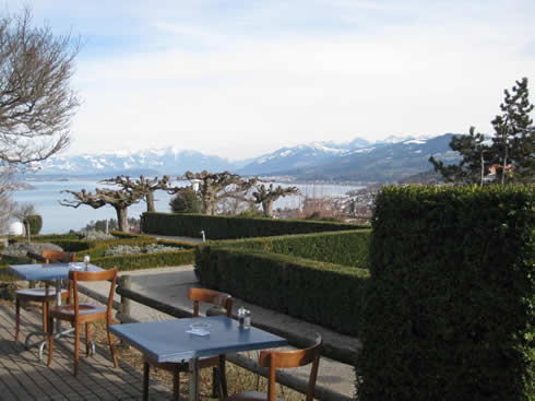Cafés and restaurants in the country, on top of mountains ...