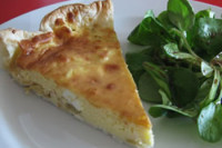 Zucchini and cheese quiche (6 servings)
