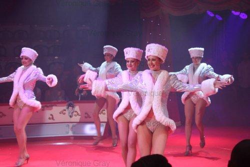 conelli-dancers-2