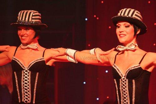 conelli-dancers