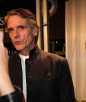 jeremy-irons-standing-on-the-green-carpet-at-the-zff
